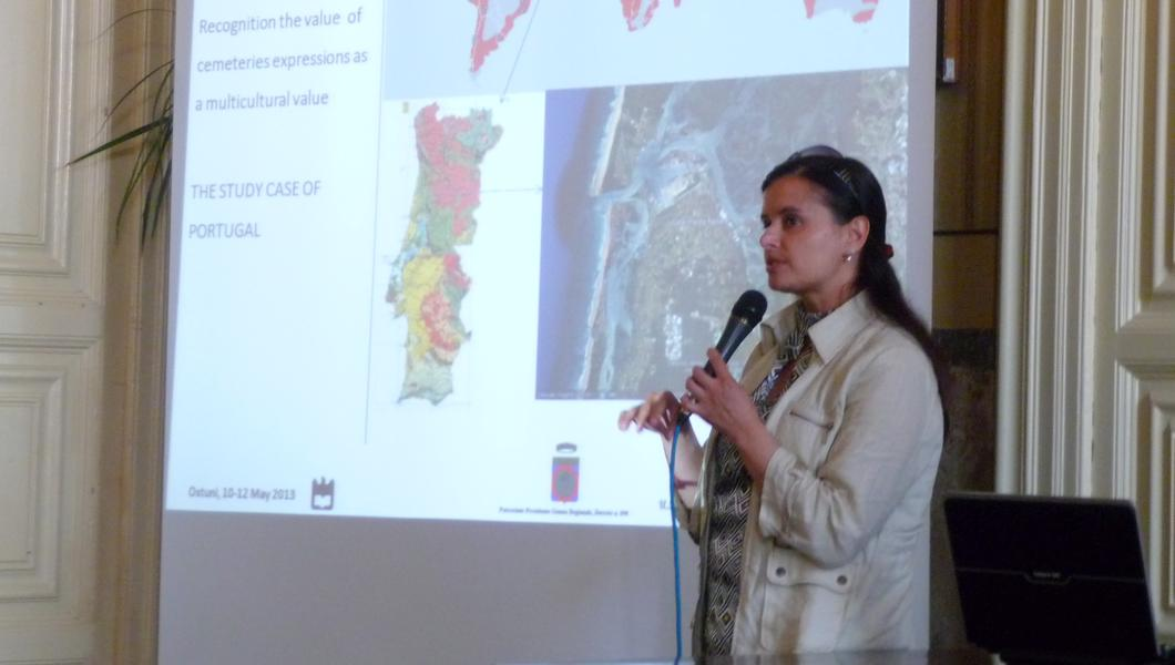 Arch. Alice Tavares Costa, President of CICOP Net Portugal, at the 2nd International Conference on Monumental Cemeteries, Ostuni 2013.